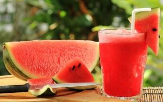 10 tác dụng của sinh tố dưa hấu với sức khỏe