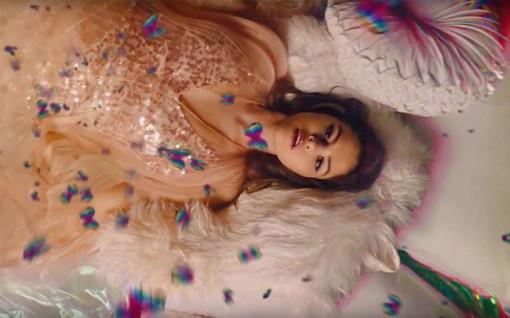 """Album """"Rare"""" của Selena Gomez dẫn đầu bảng xếp hạng Billboard 200"""