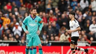 Messi kém duyên, Barca thua thảm Valencia
