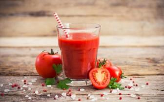 10 tác dụng sinh tố cà chua với sức khỏe và làm đẹp khởi đầu năm mới