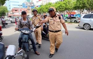Các mức phạt mới khi ô tô, xe máy chạy quá tốc độ