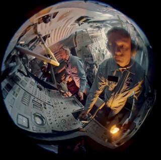 Phi hành gia Aldrin và Armstrong từng suýt phải ở lại Mặt Trăng