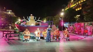 Văn hóa và nhân tính