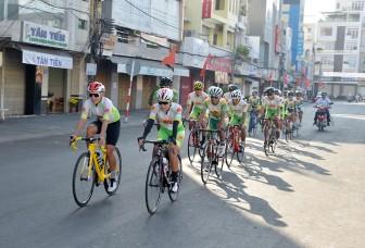Xe đạp An Giang xuất quân đầu năm mới
