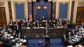 Thượng viện Mỹ bắt đầu ngày chất vấn thứ hai trong phiên luận tội tổng thống