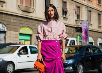 Phối sắc hồng dạo phố