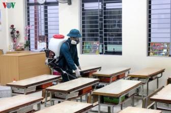 Dịch corona: Hàng loạt trường đại học cho sinh viên nghỉ tiếp thêm 1 tuần