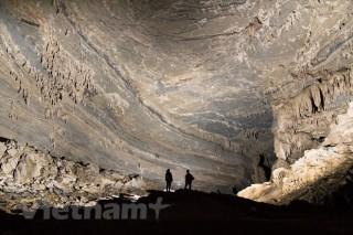 """Khám phá vẻ đẹp kỳ thú của hang Tiên - """"thiên đường vô danh"""""""