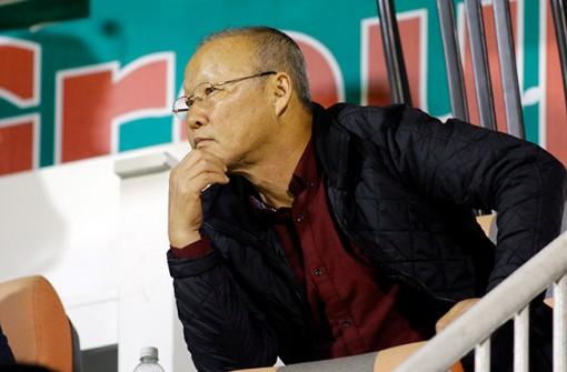 HLV Park Hang Seo tìm phương án thay thế 4 trụ cột trước trận với Malaysia