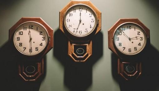 Đừng chạy theo thời gian của người khác, hãy sống ở múi giờ của chính mình