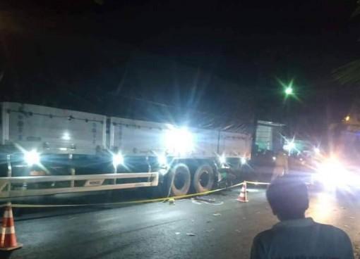 An Giang: Va chạm giữa môtô và xe tải, làm 2 người tử vong