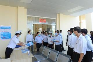 Thường trực HĐND tỉnh An Giang khảo sát công tác phòng, chống dịch bệnh viêm đường hô hấp cấp do chủng mới của vi rút Corona tại huyện Tịnh Biên