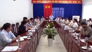 Phú Tân kêu gọi các doanh nghiệp chung tay tiêu thụ lúa, nếp cho nông dân
