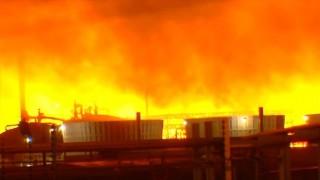 Nổ tại nhà máy lọc dầu ở Mỹ, chưa xác định được nguyên nhân