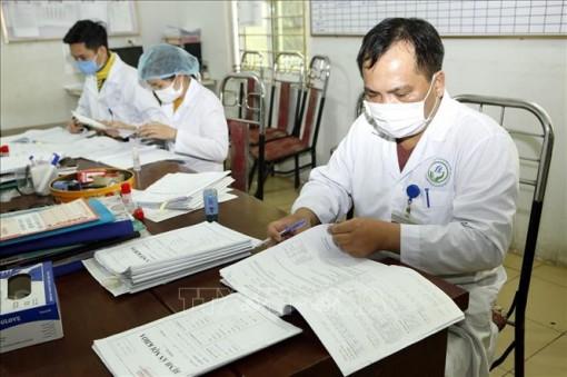 Bộ Y tế cử Tổ công tác thường trực 24/7 hỗ trợ Vĩnh Phúc chống dịch COVID-19