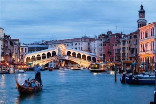 Những cây cầu đẹp mê hồn, không thể không ghé thăm nếu đến châu Âu