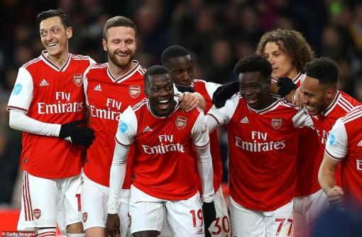 Đè bẹp Newcastle, Arsenal phả hơi nóng vào gáy MU