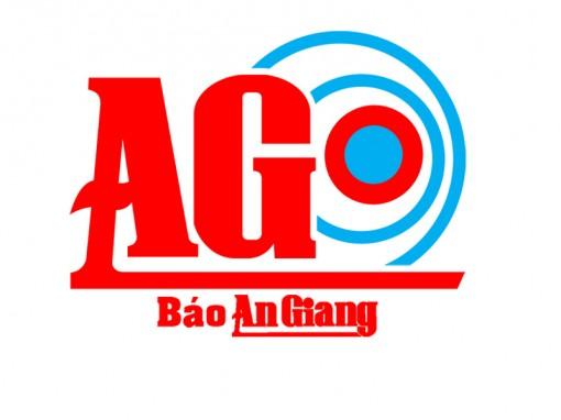 Trao tiền bạn đọc Báo An Giang hỗ trợ ông Nguyễn Văn Trải