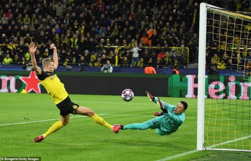 Champions League: Liverpool bại trận, Haaland 'bắn hạ' PSG