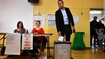 Thủ tướng Ireland từ chức giữa những bế tắc chính trị