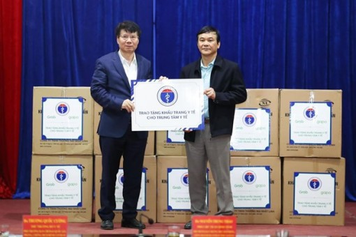 Bộ Y tế tặng 165.000 khẩu trang y tế cho 7 tỉnh biên giới phía Bắc