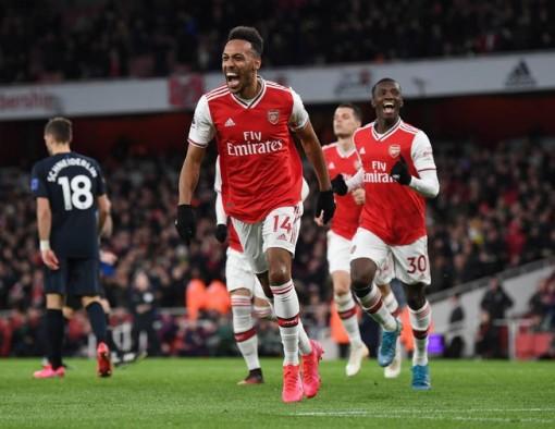 Arsenal rượt đuổi tỉ số trước Everton