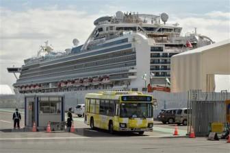 Thêm một khách trên du thuyền Diamond Princess tử vong vì COVID-19