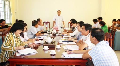 Bí thư Huyện ủy Chợ Mới Võ Nguyên Nam làm việc với 3 xã cù lao Giêng