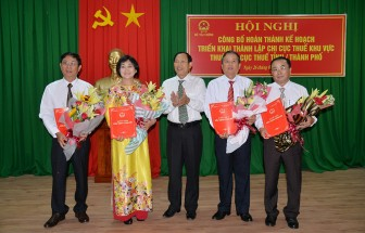 Cục Thuế tỉnh: Công bố quyết định hợp nhất Chi cục Thuế khu vực Châu Thành -  Thoại Sơn