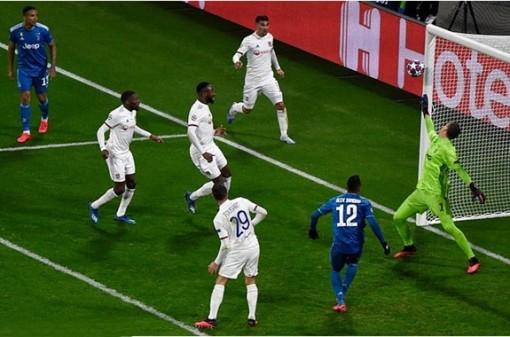 Real thua ngược Man City, Lyon đánh bại Juventus