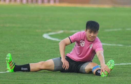 HLV Chu Đình Nghiêm xác nhận Duy Mạnh gặp chấn thương nghiêm trọng