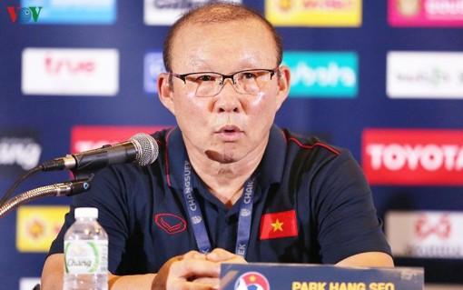 HLV Park Hang Seo bắt đầu tuyển quân cho trận chiến với ĐT Malaysia