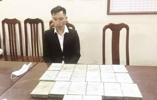 Hà Nội bắt quả tang vụ vận chuyển hơn 6kg ma túy từ Lào về Việt Nam