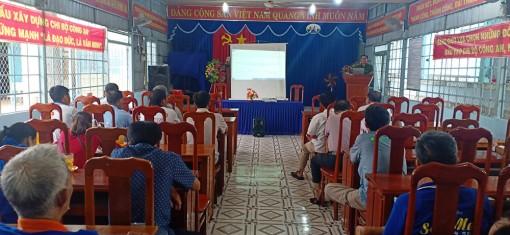 Công an Châu Phú tuyên truyền về an toàn giao thông và phòng chống tội phạm