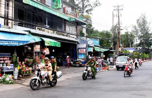 Châu Đốc phát động phong trào thi đua đảm bảo trật tự an toàn giao thông
