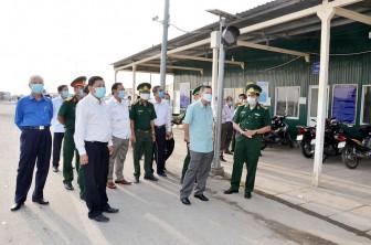Phó Bí thư Thường trực Tỉnh ủy Võ Anh Kiệt kiểm tra công tác phòng, chống dịch Covid-19 ở huyện An Phú