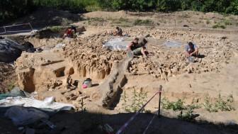 """Lạnh người với kiến trúc 20.000 tuổi xây bằng hài cốt """"quái thú"""" tuyệt chủng"""