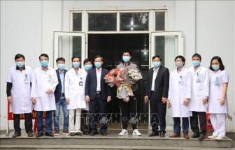 Bệnh nhân mắc COVID-19 số 18 được xuất viện ở Ninh Bình