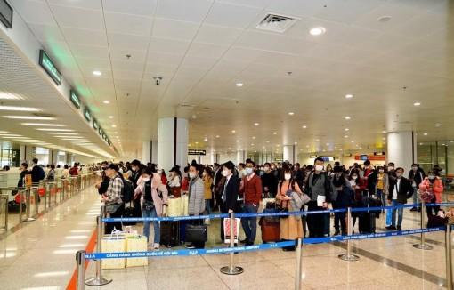 Hành khách các nước đến Việt Nam sẽ được cách ly tập trung 14 ngày