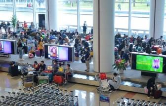 Dừng vận chuyển người Việt Nam từ nước ngoài về sân bay Tân Sơn Nhất