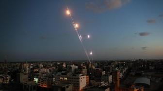 Israel không kích Gaza