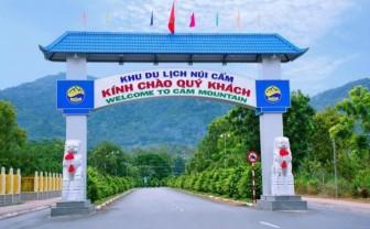 Tạm dừng đón khách và thu phí tham quan Khu du lịch núi Cấm