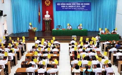 Tạm dừng tổ chức kỳ họp thứ 13 (bất thường) HĐND tỉnh