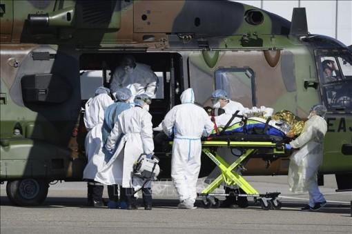 Pháp ghi nhận 3.024 ca tử vong do dịch COVID-19, chưa kể các ca ở trại dưỡng lão