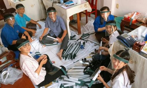 Thanh niên Châu Phú tham gia phòng, chống dịch bệnh Covid-19