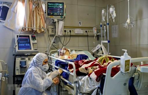 Iran: Số ca tử vong do dịch bệnh COVID-19 tăng lên gần 2.900 người