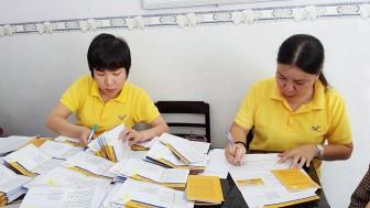 An Giang miễn cước phí bưu điện thực hiện thủ tục hành chính