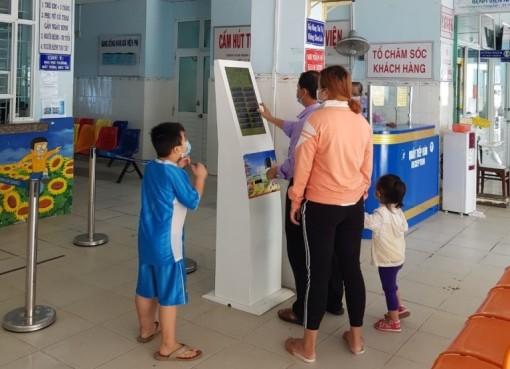 Bệnh viện Sản - Nhi An Giang: Vận hành hiệu quả cây kios thông minh phục vụ công tác khám, chữa bệnh