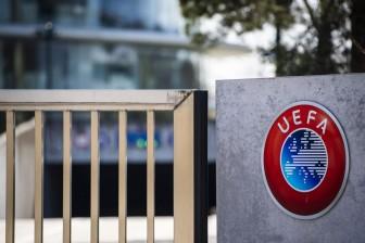 UEFA không muốn các giải VĐQG châu Âu vội hủy vì Covid-19