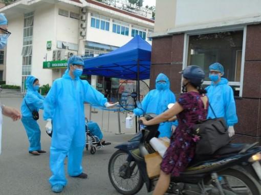 'Ổ dịch' Covid-19 ở Bệnh viện Bạch Mai với 44.000 người liên quan được kiểm soát thế nào?